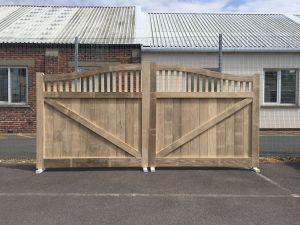 Oak gates timber Hampshire uk